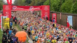 People running the London Marathon